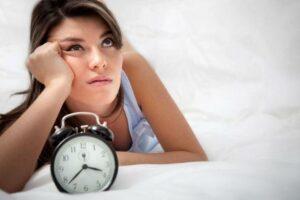 Lutter contres les insomnies grâce aux huiles essentielles